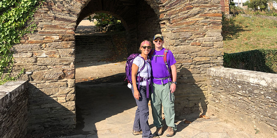 jeanne-husband-camino-de-santiago-caminoways