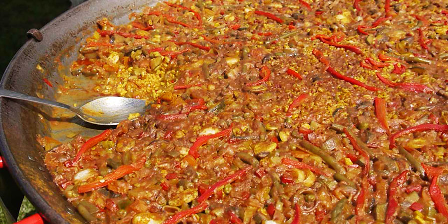 paella-camino-de-santiago-food-caminoways