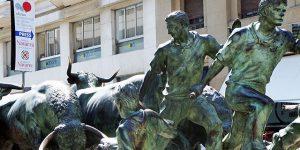 camino-frances-pyrenees-pamplona-san-fermin-running-bulls-tm