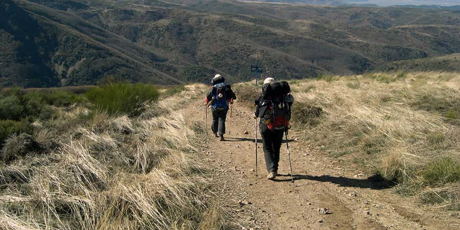 technology-free-walking-camino-de-santiago-caminoways
