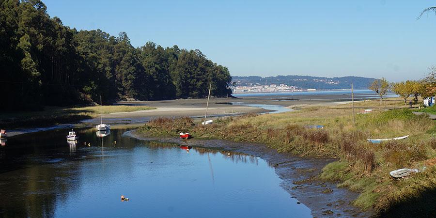 boats-mino-beach-camino-ingles-camino-de-santiago-caminoways