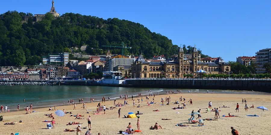San-Sebastian-Concha-beach-camino-del-norte-basque-country-caminoways