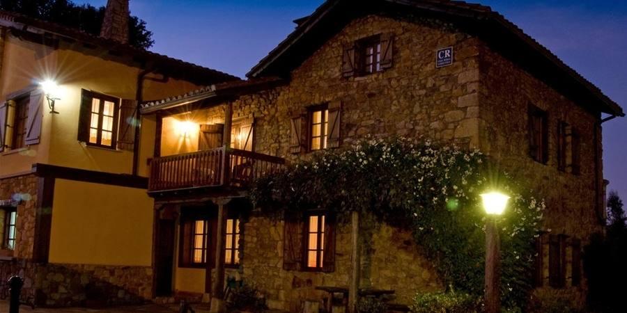 Hotel-matsa-night-exterior-caminoways.com