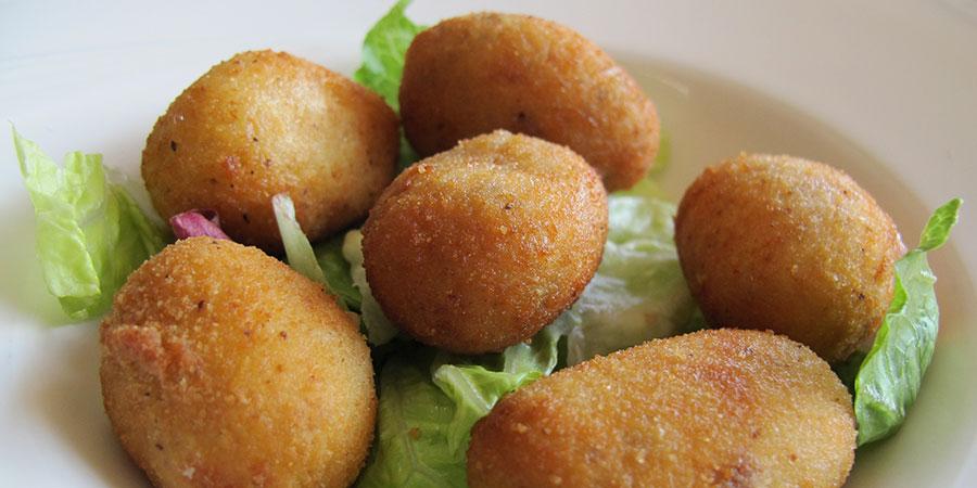 croquetas-tapas-camino-de-santiago-food-caminoways