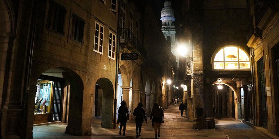 evening-stroll-in-Santiago-de-Compostela-Old-Town-walk-the-camino-de-santiago-caminoways