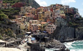 riomaggiore-cinque-terre-hiking-winter-walks-italy-francigenaways