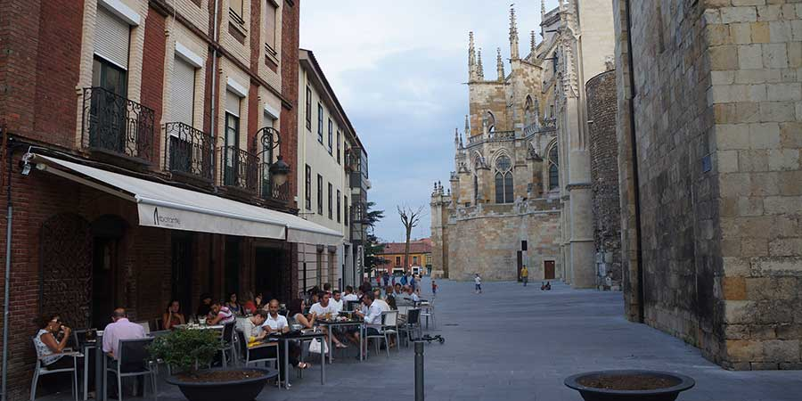 city-centre-leon-things-to-do-camino-de-santiago-spain-caminoways