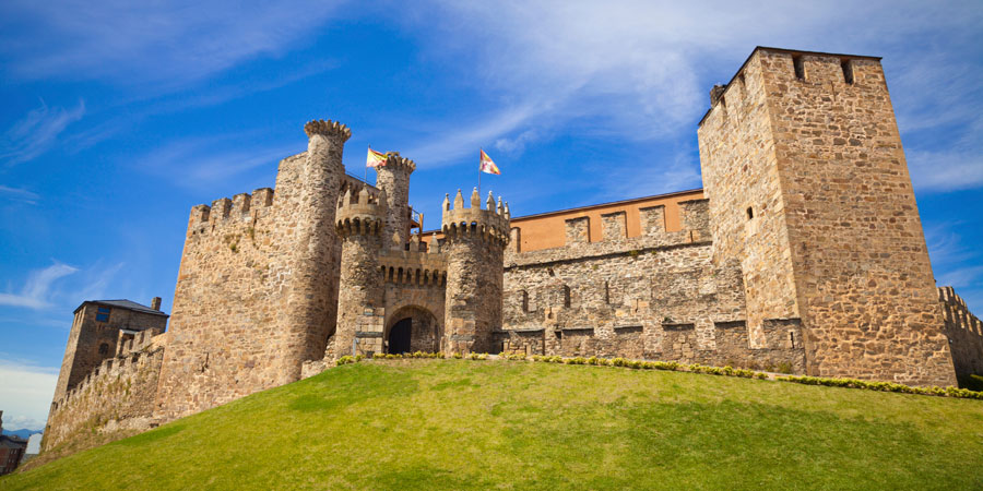 Visit The Templars Castle In Ponferrada Caminoways Com