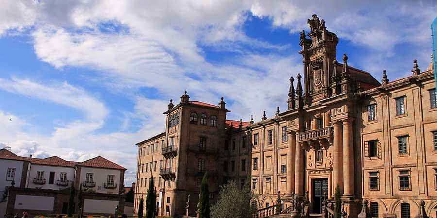 santiago-de-compostela-architecture-winter-camino-caminoways