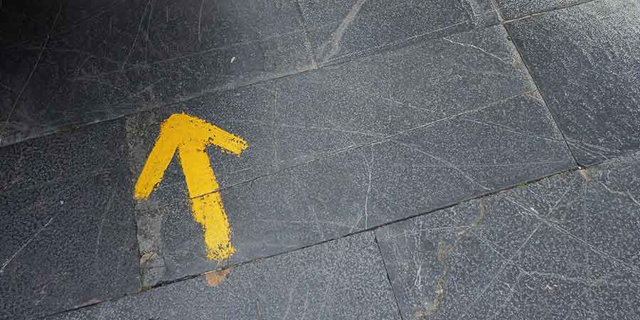 yellow-arrow-camino-de-santiago-caminoways