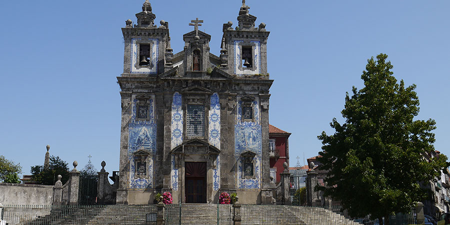 porto-church-tiles-camino-portugues-caminoways