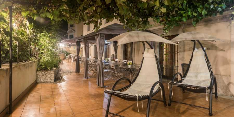 Hotel-villa-rosa-outdoor-seating-caminoways.com