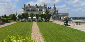 Amboise-Paris-Tours-Way-Camino-in-France-Way-of-Saint-James-Caminoways