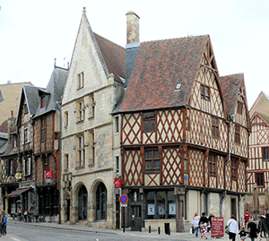Bourges-Vezelay-Way-caminoways-france