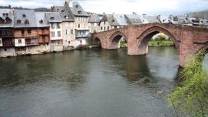 Espalion-medieval-bridge-Le-Puy-way-Via-Podiensis-France-caminoways