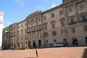 Gubbio-piazza-St-Francis-Way-via-francigena
