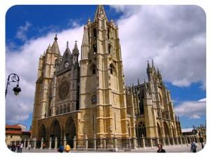 Leon_Cathedral-CaminoWays_s-300x225