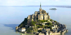 Mont-Saint-Michel-Way-Abbey-caminoways