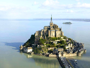 Mont-Saint-Michel-Way-Abbey-caminoways