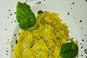 Pasta-pesto-cycling-tuscany-italy