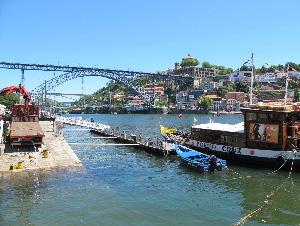 Porto-harbour-portuguese-way-caminoways