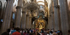 pilgrim-mass-santiago-catedral-caminoways