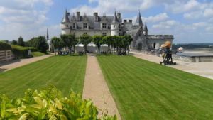 amboise-castle-paris-way-camino-de-santiago-caminoways