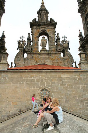 article-city-break-cathedral-roof-caminoways