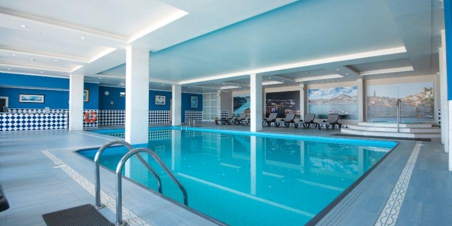 camino-hotel-vila-gale-porto-swimming-pool