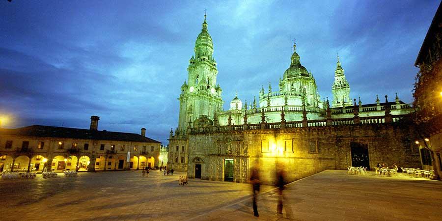 Praza-da-Quintana-cathedral-of-santiago-de-compostela-caminoways