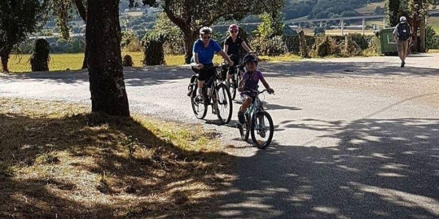 family-on-the-via-francigena-cycling-caminoways.com