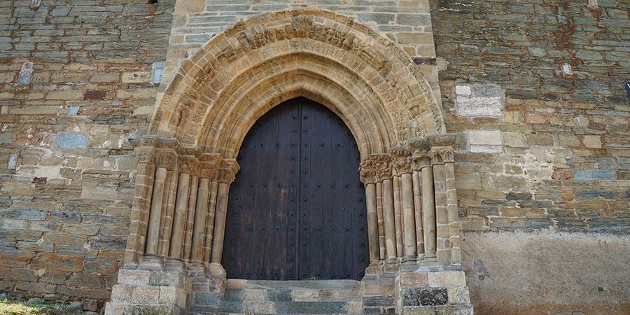 puerta-del-perdon-villafranca-del-bierzo-walk-the-camino-de-santiago-caminoways
