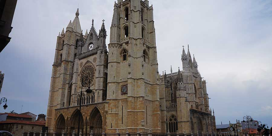 leon-cathedral-sights-in-spain-camino-de-santiago