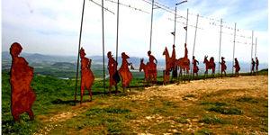 camino-pilgrims-Pamplona
