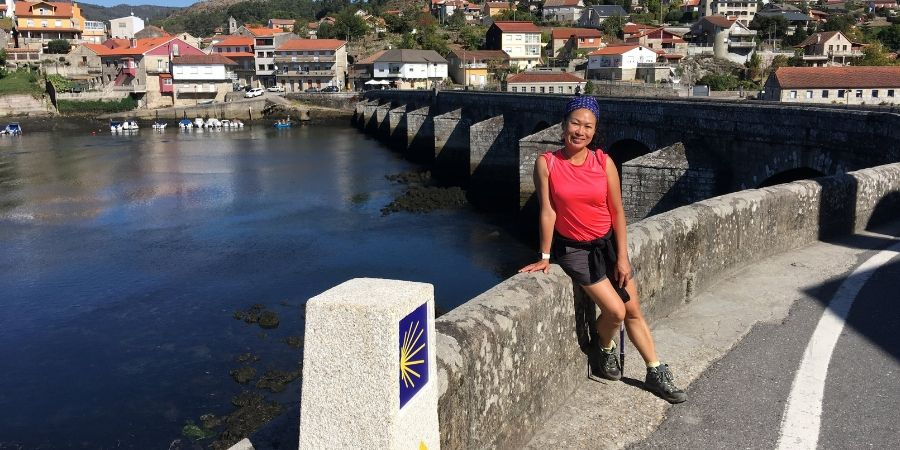 theresa-enjoying-the-camio-trails-soul-camino
