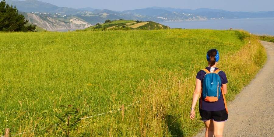 Woman-walking-the-camino-is-safe-caminoways.com