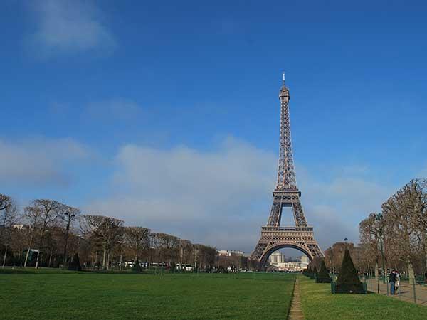 eiffel-tower-paris-attractions-camino-de-santiago-caminoways