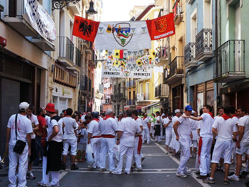 camino-frances-pyrenees-pamplona-san-fermin-white-red