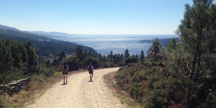 pilgrims-lizzie-enfield-walking-the-camino-de-fisterra-caminoways