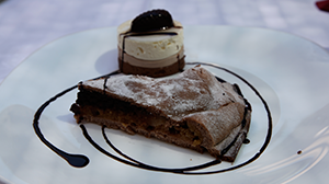 food-chocolate-cake-tuscany-italy-via-francigena-ways