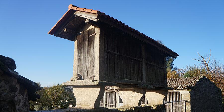 horreo-galicia-camino-de-santiago-caminoways