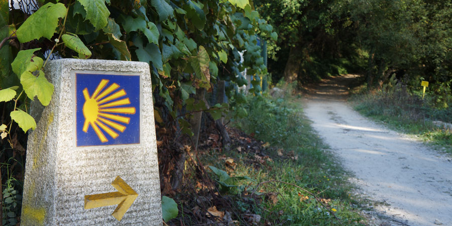 camino-marker-responsible-pilgrim-tips-caminoways