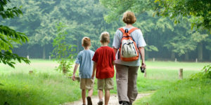 camino-santiago-caminoways-family-walking