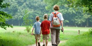 camino-santiago-caminoways-family-walking