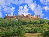 monteriggioni-walking-tuscany-italy-via-francigena-francigenaways