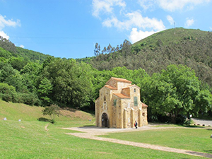 oviedo-church-camino-primitivo-caminoways