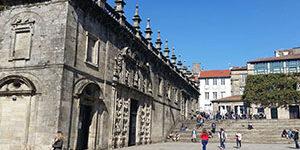 porta-santa-santiago-de-compostela-caminoways