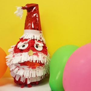 santa-christmas-pinata-caminoways