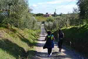 tuscany-camino-to-rome-caminoways-lucca-to-siena-mothers-day